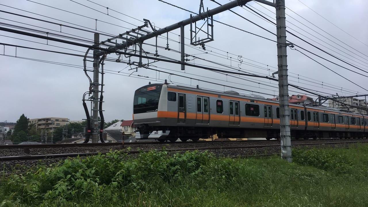 5月28日(木)、西八王子~高尾駅間での人身事故の影響で、中央線運転見合わせが出ています。