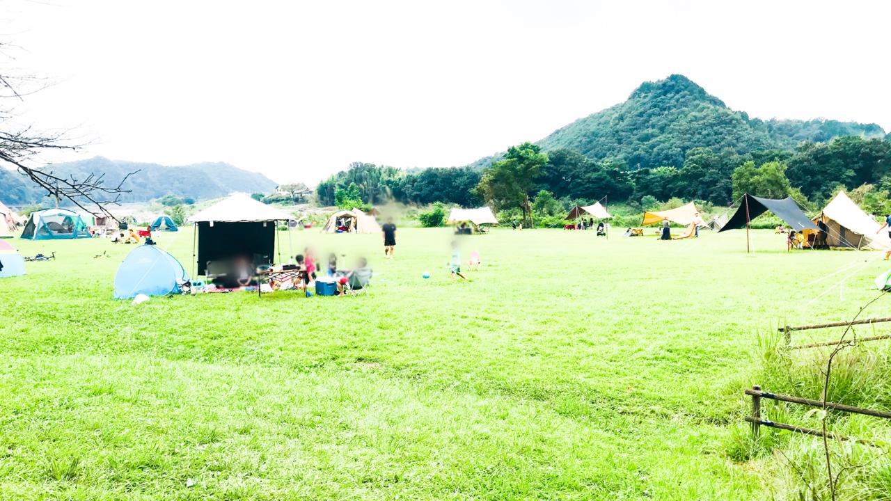 犬山の栗栖園地でのキャンプの様子
