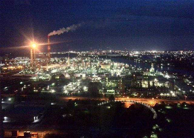 四日市の工場夜景の画像イメージ