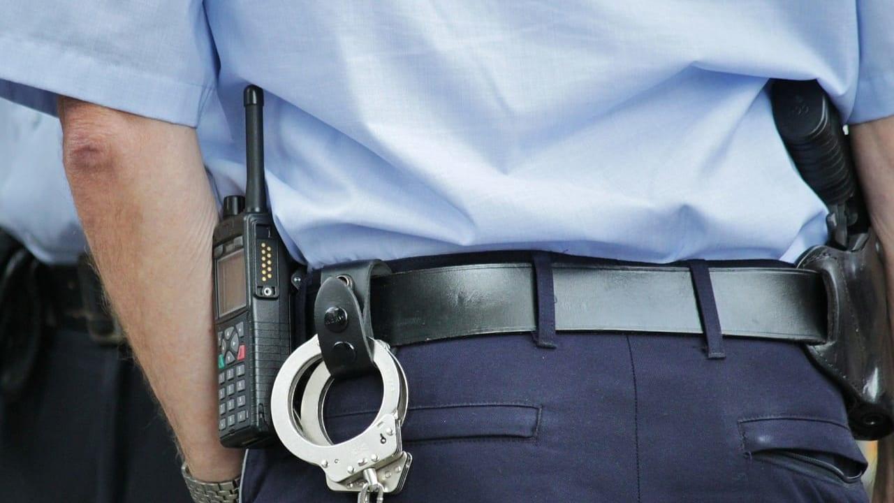 鳥栖市 警察 手錠