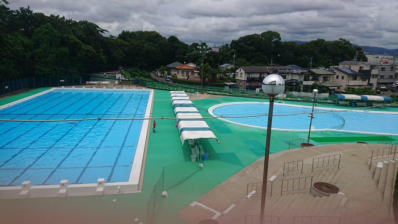 2020年夏営業中の緑が丘体育館プール